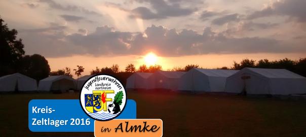 Erste Sonnenaufgang über den errichteten Zelten